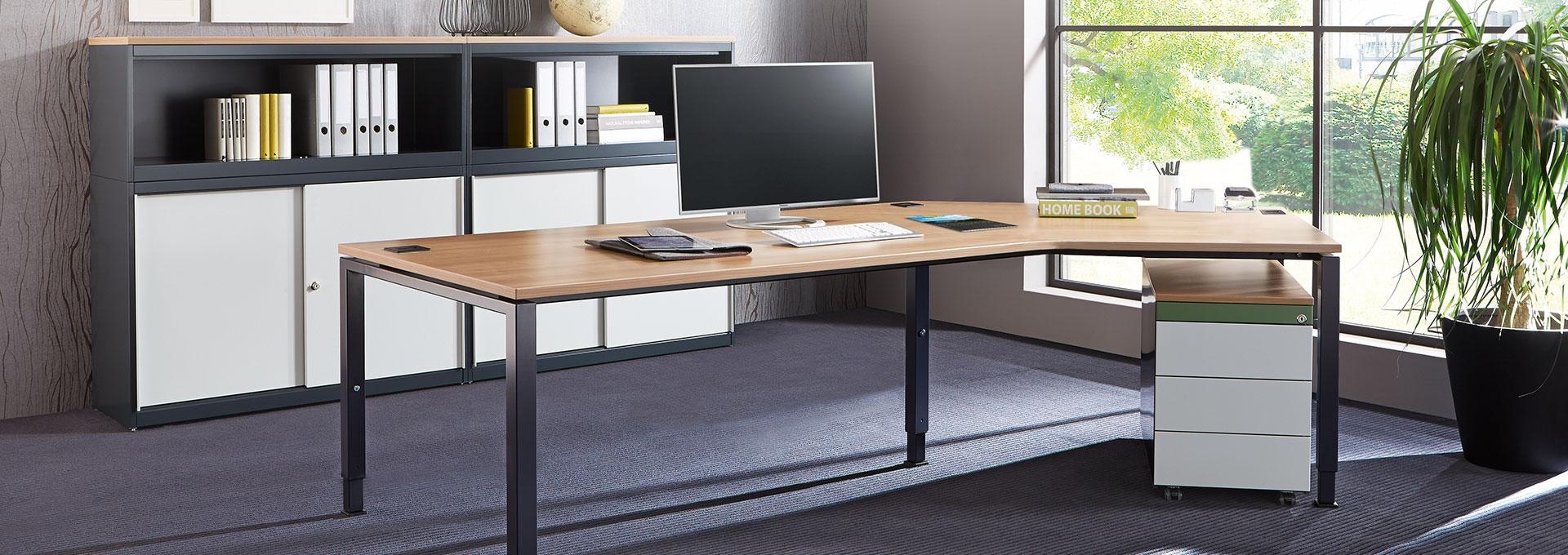 Schreibtisch-Arbeitstisch-Winkelansatz-arcos-mauser-slider