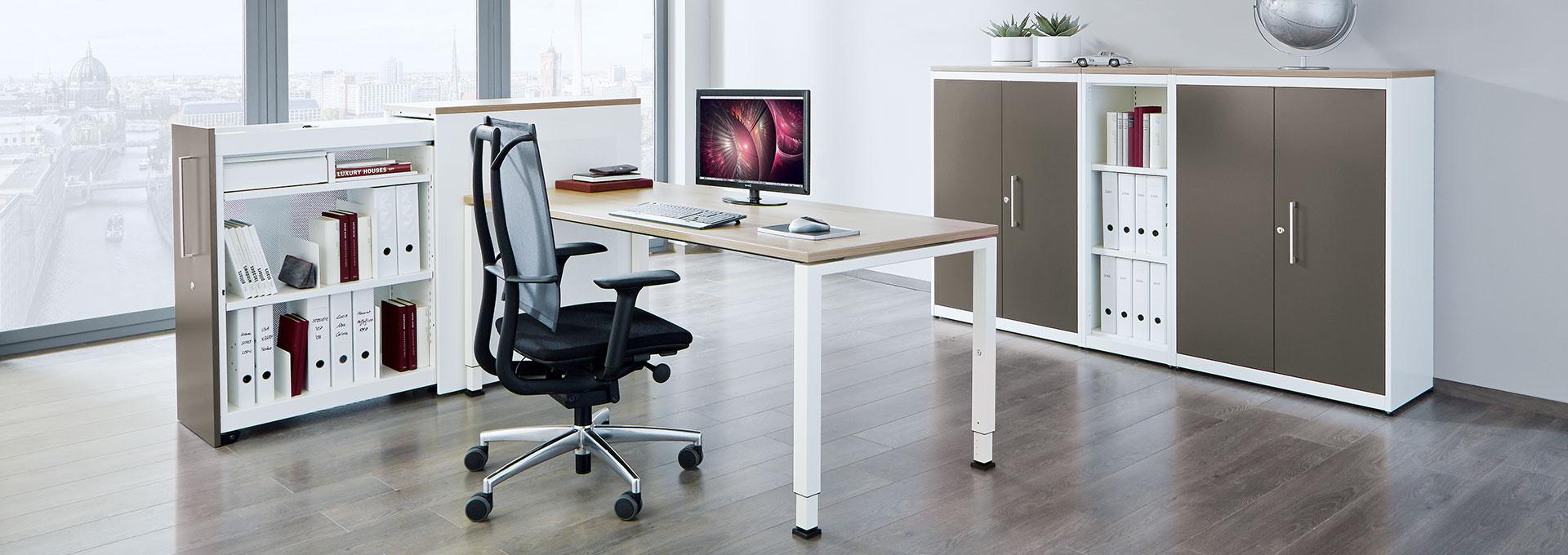 Schreibtisch-Arbeitstisch-Hochauszugschrank-arcos-mauser-slider