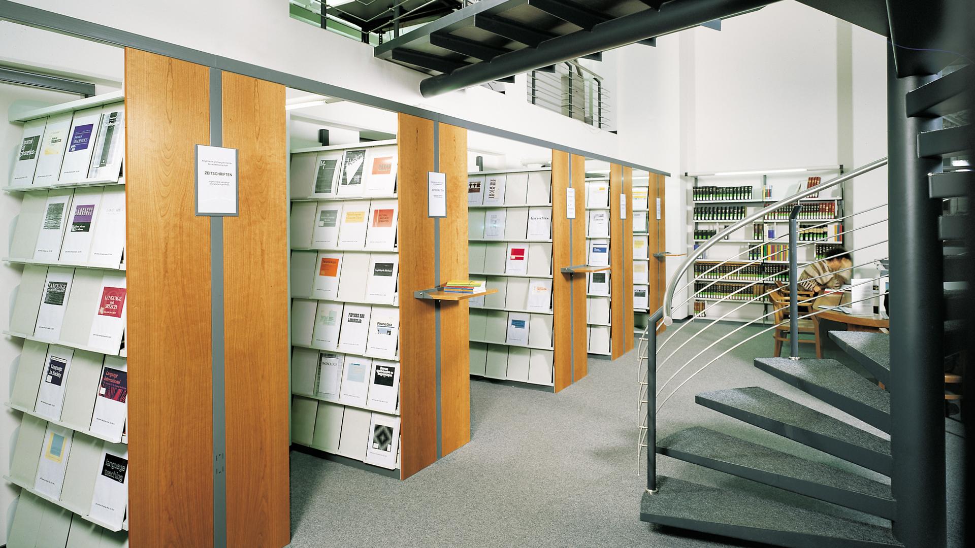 Stationaeres-Freihandregal-Bibliothek-03-BR-mauser-16-9